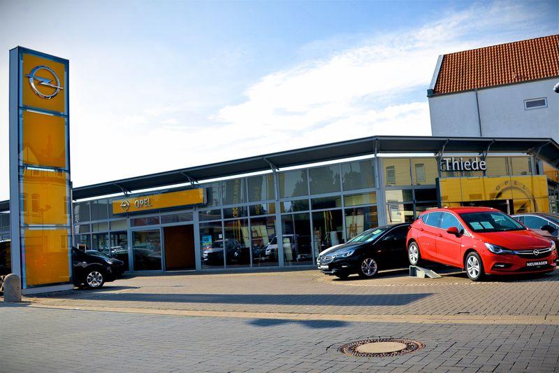 OPEL Thiede Neuwagen - Hauptbetrieb Büddenstedter Straße 6 Schöningen