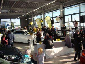 Volles Haus bei der Eröffnung des Opel zertifizierten Gebrauchtwagenzentrums