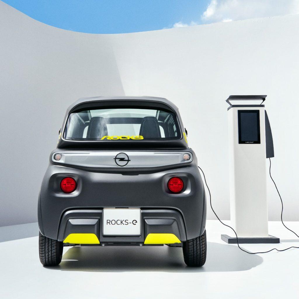Opel Rocks-e elektroauto ab 15 Jahren zum fahren